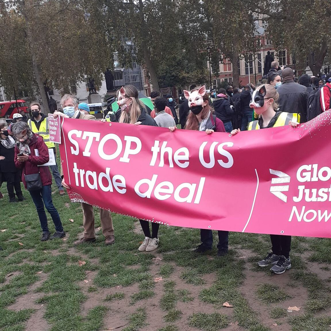 stop the us trade deal banner